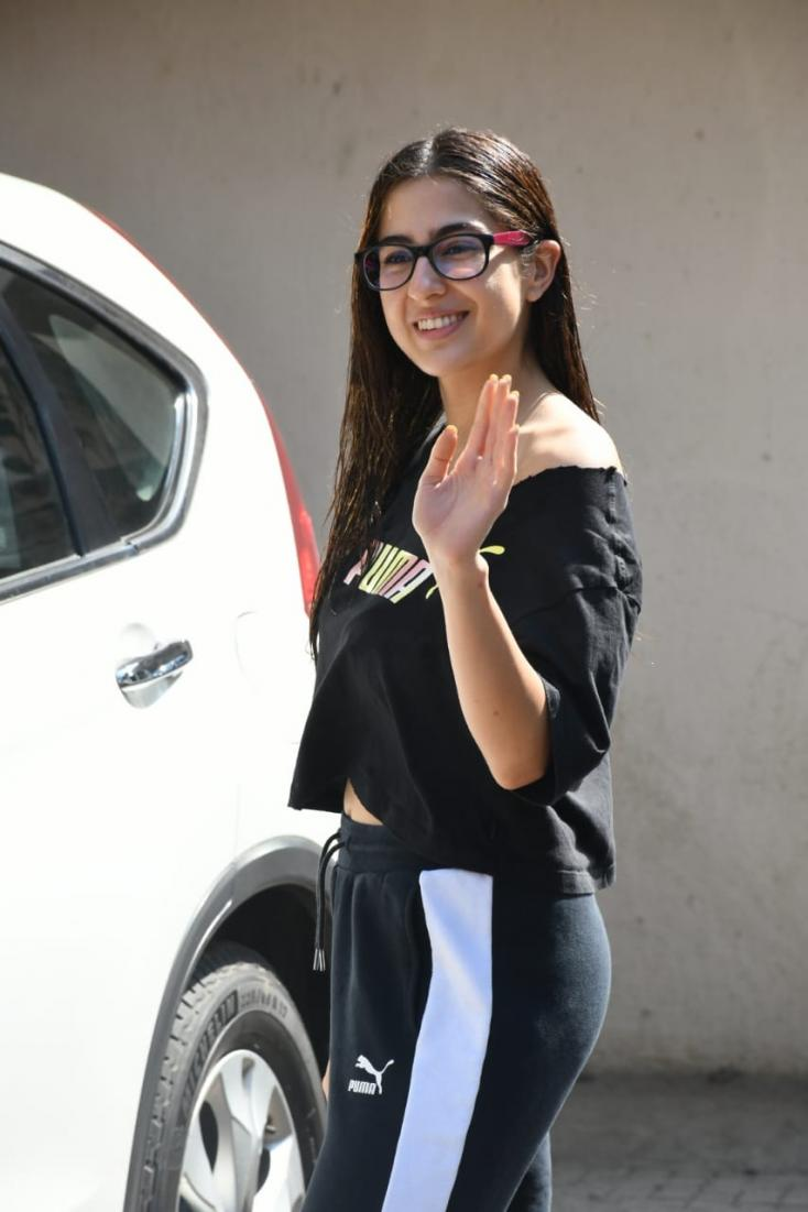 Sara Ali Khan was clicked by paparazzi while stepping out for pilates