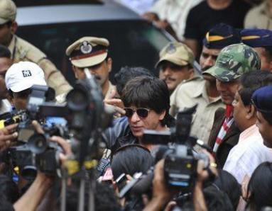 Heavy security at airport as Shah Rukh returns to Mumbai