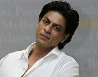 SRK fans accuse Bollywood of being scared of Shiv Sena