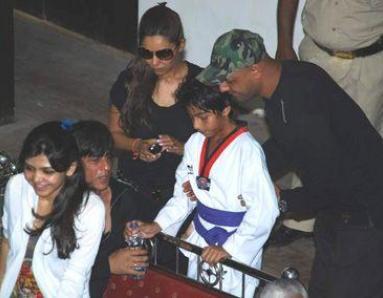 Kids' sports competition makes SRK a 'nervous wreck'