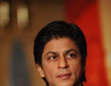 Top politicians stand by Shah Rukh