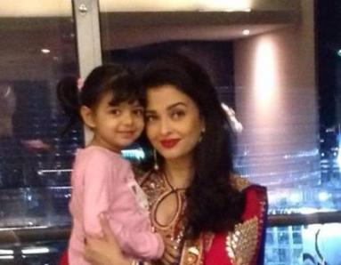 What Does Aaradhya Do When Ash Shoots For Jazbaa?