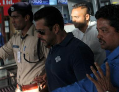Salman Khan Stops Lawyer From Reading About Heart Condition