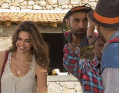Why Does Deepika Padukone Blush Looking At Ranbir Kapoor?