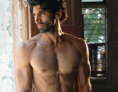 How Aditya Roy Kapur Looked THIS Hot in Fitoor