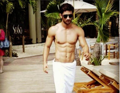 This Actor's Hot Abs Will Give You Major Fitness Goals!