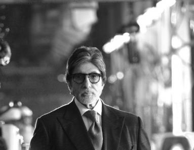 Guess Who Amitabh Bachchan Went to Visit At a Factory in Delhi?