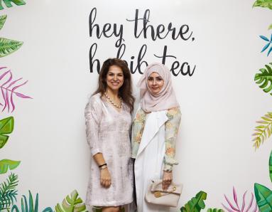 Dubai's High Heel Women Dressed In Pink