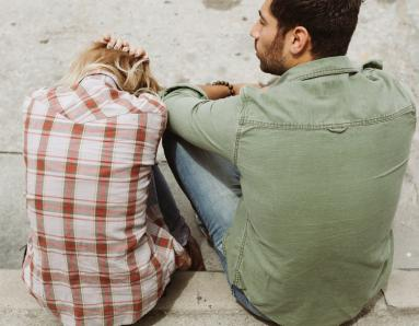 Romantic Relationships: 5 Signs Your Partner is Emotionally Unavailable and Absent From the Relationship