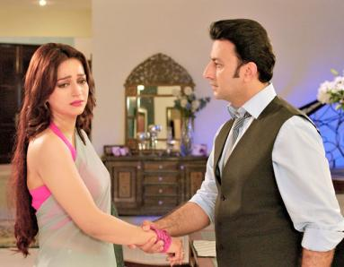 Betabiyan Movie Review: Weak Storyline Proved  to be Fatal for this Simple Love Story