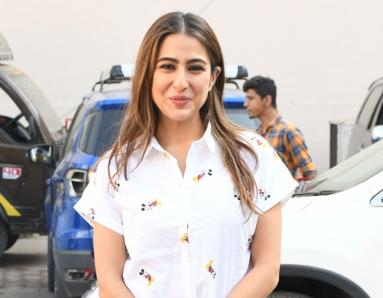Sara Ali Khan Takes Her Casual Look Up a Notch with a Pair of Heels