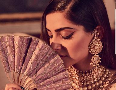 Sonam Kapoor Opts for Statement Accessories for Armaan Jain's Wedding Reception