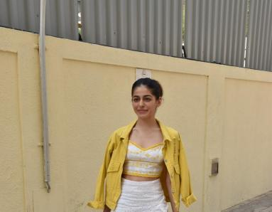 Alaya Furniturewala Brightens Up Our Day in Yellow Outfit