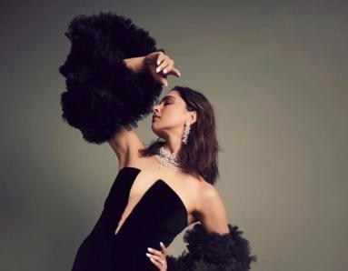 Deepika Padukone Loves Black; Here's Proof