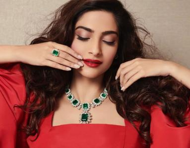 Sonam Kapoor is a Stunner in Latest Red Look