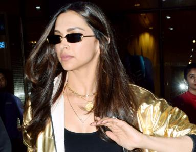 Deepika Padukone, Kareena Kapoor Sport Metallic Jacket In Two Ways