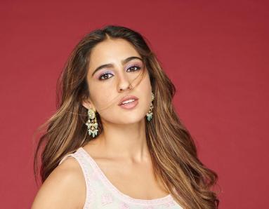 Sara Ali Khan to do Mother Amrita Singh's Chameli ki Shaadi?