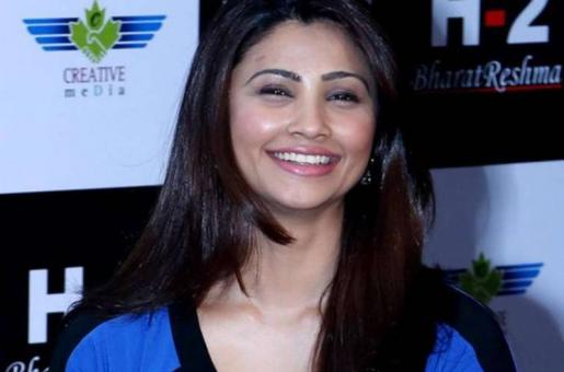Revealed: Salman Khan's Heroine Daisy Shah's Secret Affair