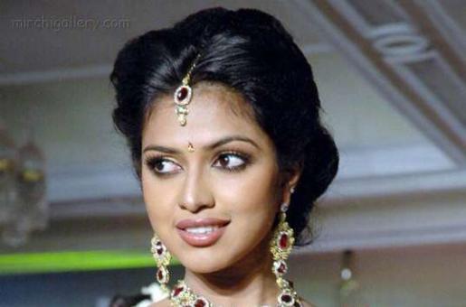 Malayalam Actress Amala Paul to Get Married to Vijay