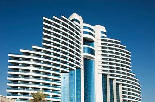 Restaurant Review: Sparkling Brunch at Le Meridien Al Aqah Beach Resort