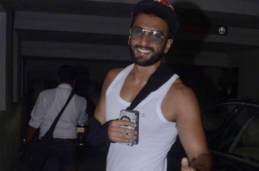 OMG: Did Ranveer Singh Just Live Tweet And Share A Selfie From The Operation Theatre?