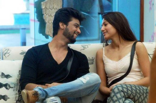 Kushal Tandon Lashes Out At Fans Tagging Him With Ex Gauhar Khan