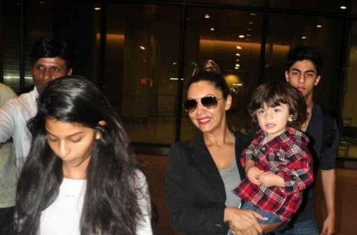 How Gauri Khan Takes On SRK's Role With AbRam