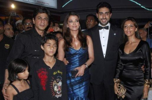 King Khan and Gauri Will Have the Honour of Watching Ash's Jazbaa First!