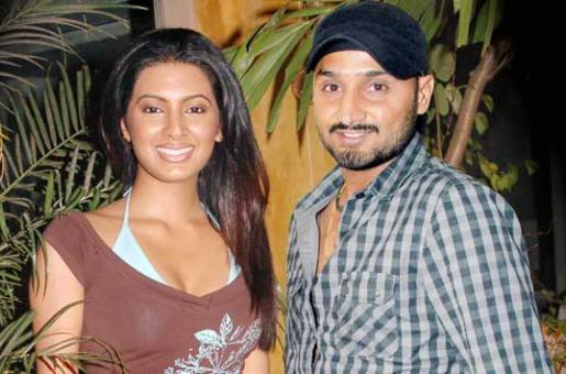 Harbhajan Singh, Geeta Basra Set Wedding Date as October 29!