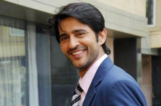 Television's Blue-Eyed Boy Hiten Tejwani Just Turned Bad!