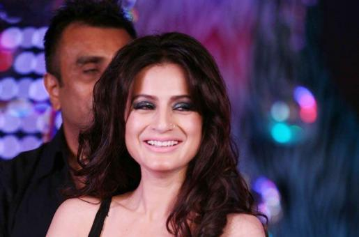 Ameesha Patel Reveals Her Hot Makeover For Her Upcoming Rom-Com!