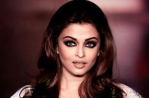 'I Knew We Were Shooting in Mumbai, That's All I Considered': Aishwarya Rai Bachchan on Choosing Jazbaa
