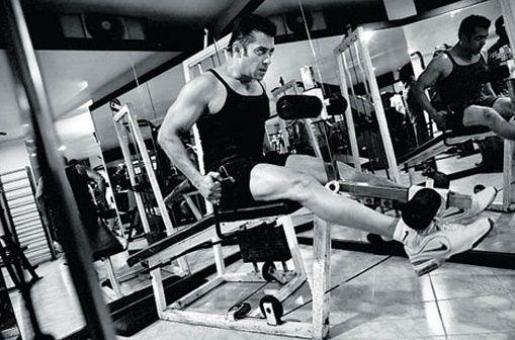 'My Father and I Prefer to Remain in Minimum Clothing at Home': Salman Khan