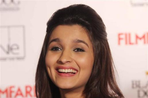 Err...Why is Alia Bhatt Excited About Prem Ratan Dhan Paayo?