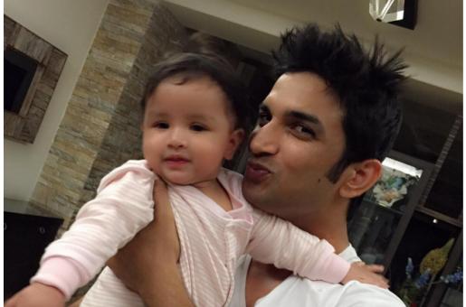 Has Baby Ziva Taken a Liking to Sushant Singh Rajput?
