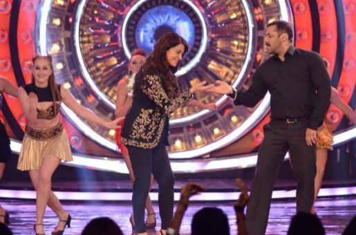 Here's Why Salman Khan is Juhi Chawla's 'Rightful Bhai'!