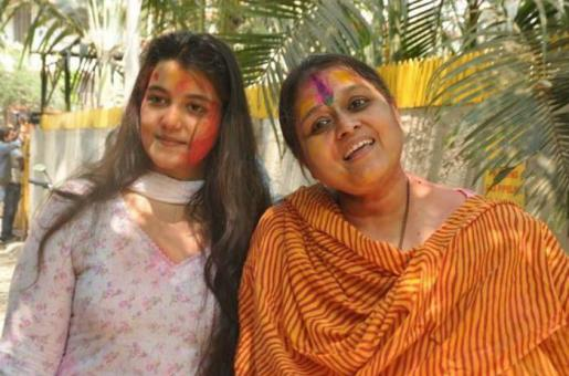 This is How Sanah Kapur Makes Mum Supriya's Birthday Special!