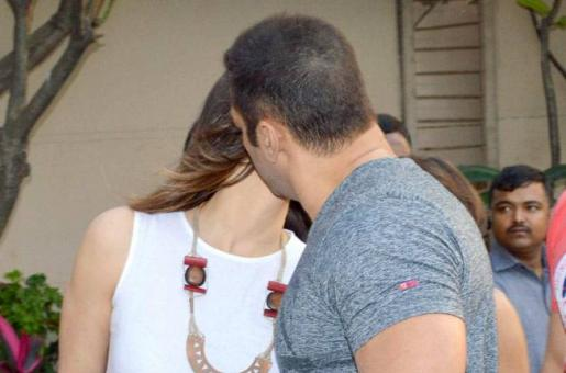 OUCH: Is It a Friendly Peck That Bhai is Planting on Sangeeta Bijlani?