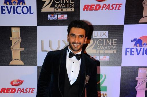 5 Ways in Which Ranveer Singh Rocked at the Zee Cine Awards 2016
