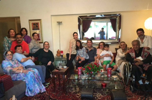 Rishi Kapoor Enjoys an Extended Lunch With the Real 'Kapoor and Sons'