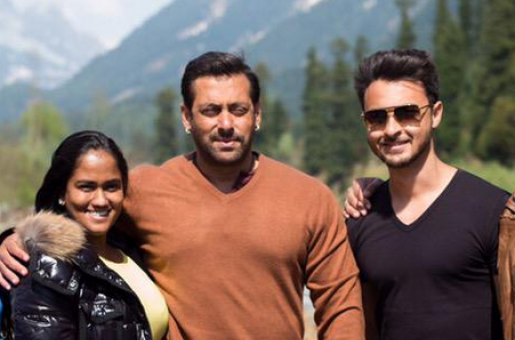 Bhai Becomes Mamu As Arpita Delivers Baby Boy!