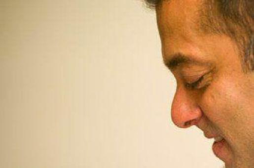 Salman Khan Interviews 25 Nannies for Nephew Ahil