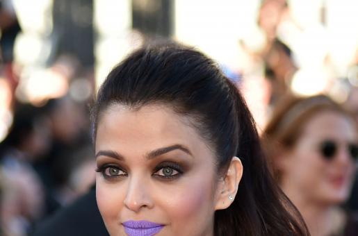 Aishwarya Rai Bachchan's Purple Lips Cause a Frenzy