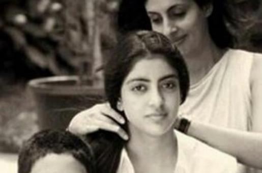 Navya Naveli Nanda Posts a Nostalgic Family Pic