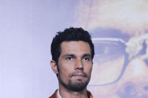 Why was Randeep Hooda ANGRY at the Sarbjit Premiere?