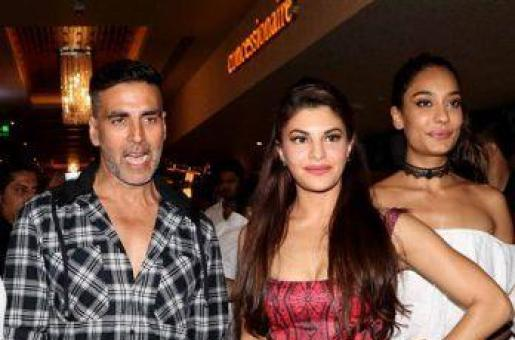 Akshay Kumar Fights For Jacqueline Fernandez and Lisa Haydon