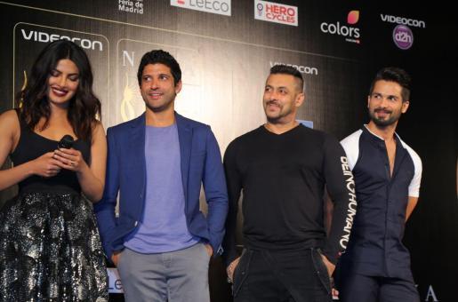 Did Shahid Kapoor and Priyanka Chopra Bid Goodbye to Their Awkwardness At IIFA 2016?