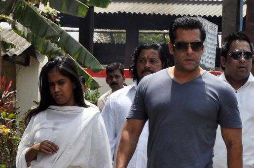 Cash and Gold Stolen from Arpita Khan Sharma's House