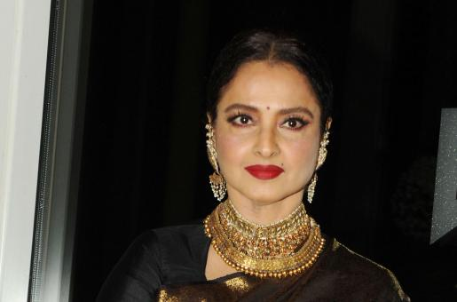 Rekha's Book Reveals SHOCKING Details About her Alleged Affair With Amitabh Bachchan