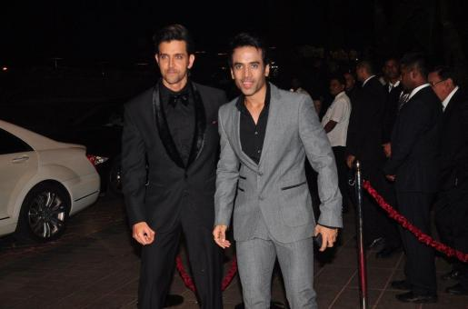 Tusshar Kapoor Takes his Son Laksshya to Get the Blessings of Hrithik Roshan's Maternal Grandfather